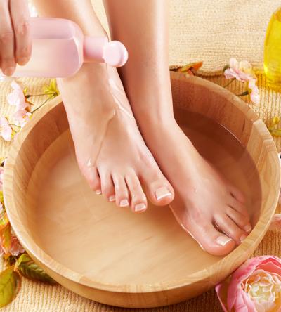 Mycie stóp - Podstawa pielęgnacji stóp