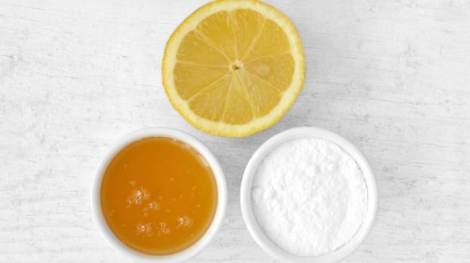Soda oczyszczona w domowej mikrodermabrazji